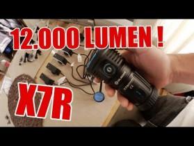 12.000 Lumen Mega-Taschenlampe | ItsMarvin